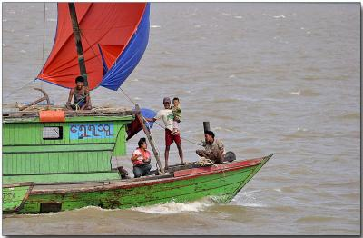 Sail power - Ayeyarwady River, Bagan