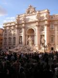 Crowds @ Trevi Fountain