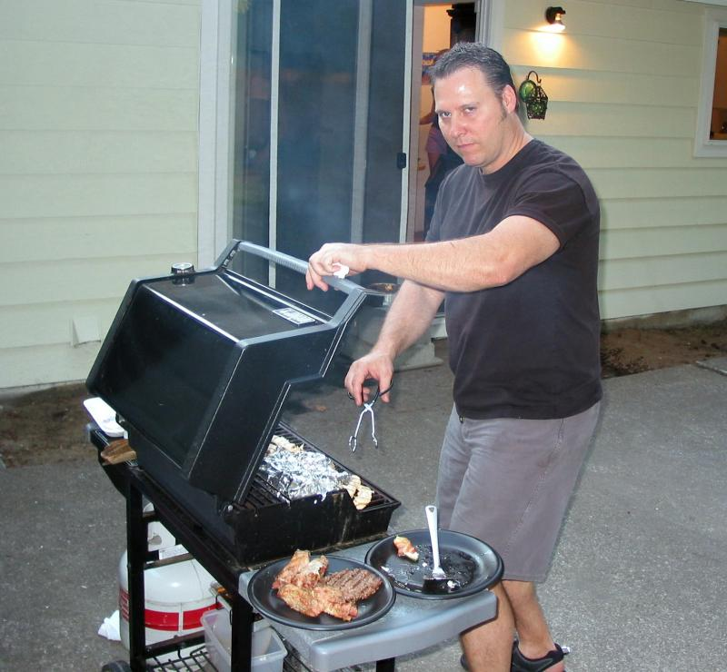 01 Grilling Master at Work