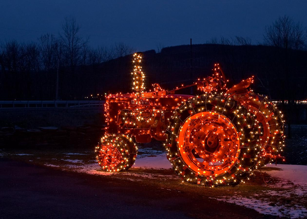 Christmas Tractor Wallpaper