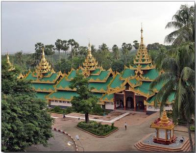 Side entrance to the Shwedagon Pagoda