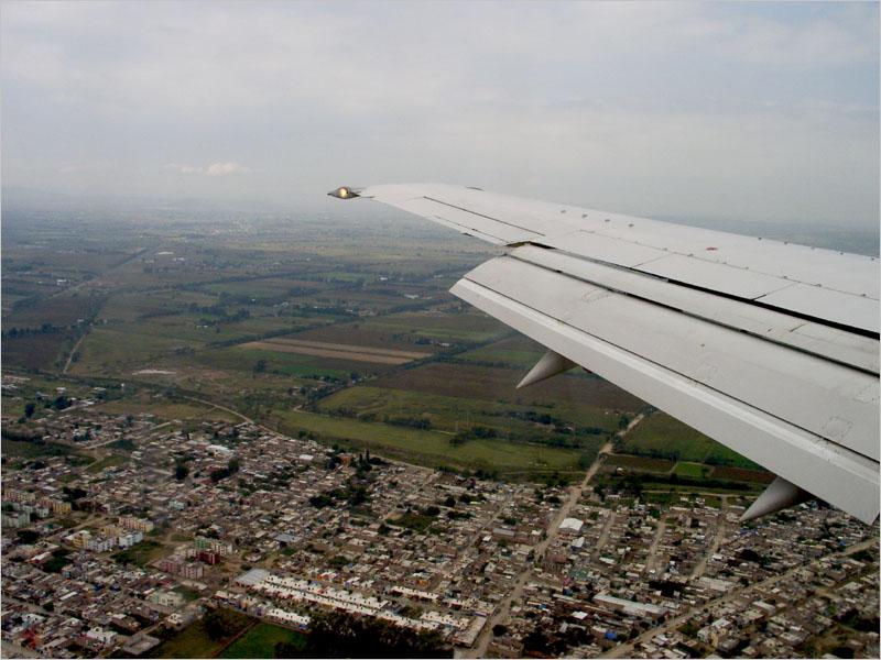 San Miguel de Allende 20030006.jpg  Approaching Leon airport