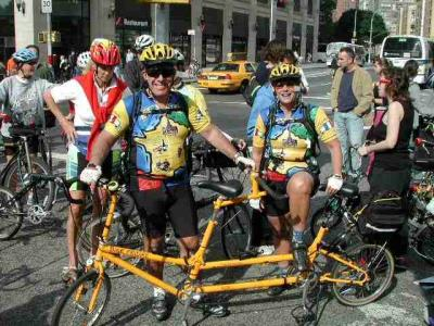 The perfectly-attired Pinos and their mango, Bike Friday Tandem