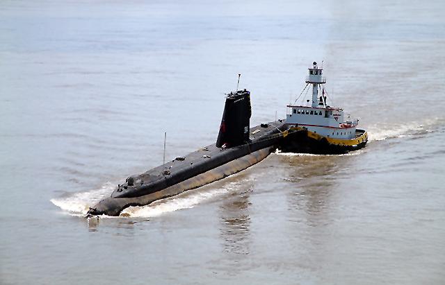 USS-Razorback3.jpg
