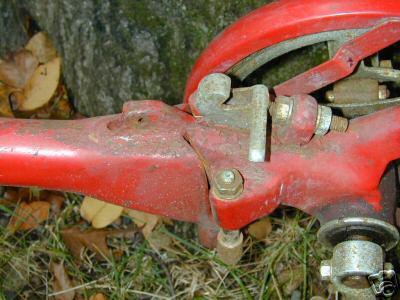 Sakura-Seiki, Road Puppy latch mechanism (partial)