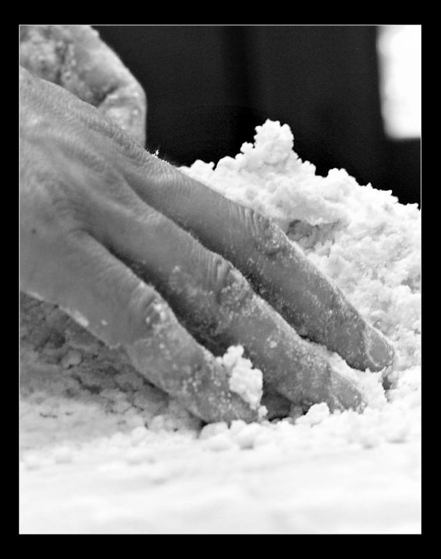 03 - Le mani in pasta
