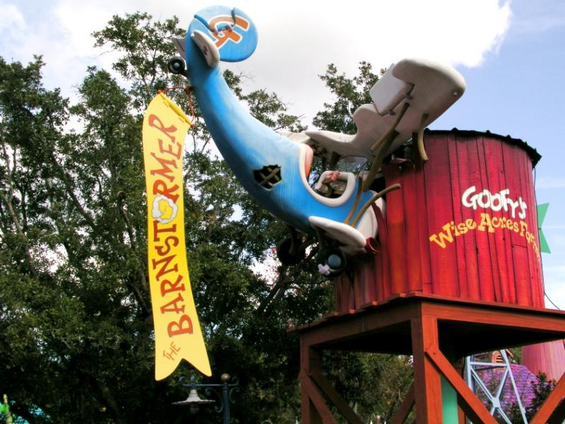 Entrance to the Barnstormer ride in Mickeys Toontown