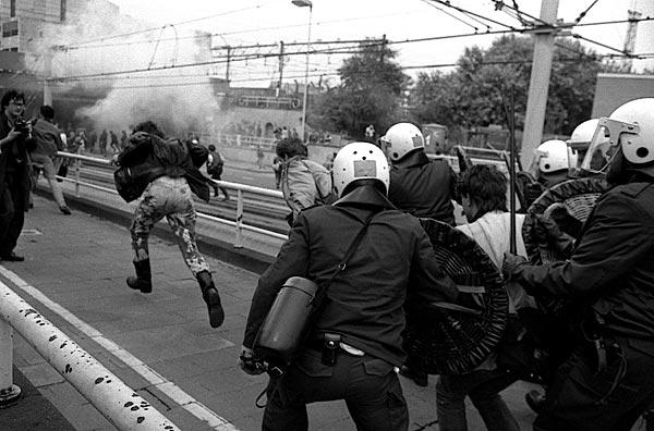 Protesting against the visit of Pope John Paul II