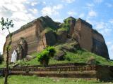 There are stairs going up this corner of Mingun Paya.