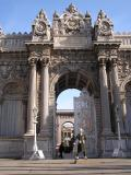 Dolmabahce Palace - soldier is real!