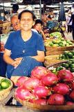 lady-selling-dragon-fruit.jpg