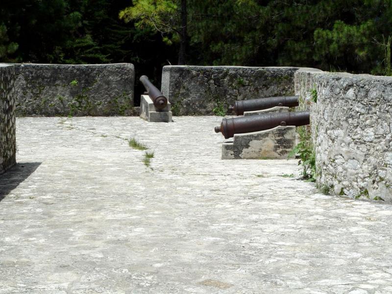 Guns at Fort Jacques