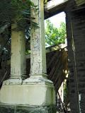 Straight pillars but fallen roof