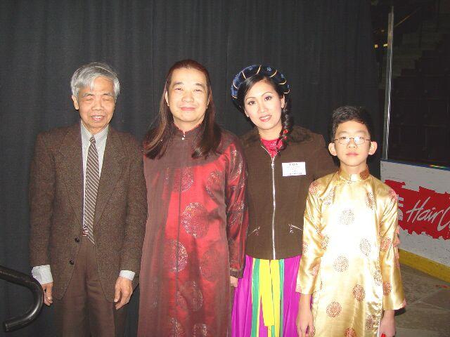 The Silent Worker and PDT Family/ NgÆ°Æ¡`i hu`ng tha^`m la(.ng