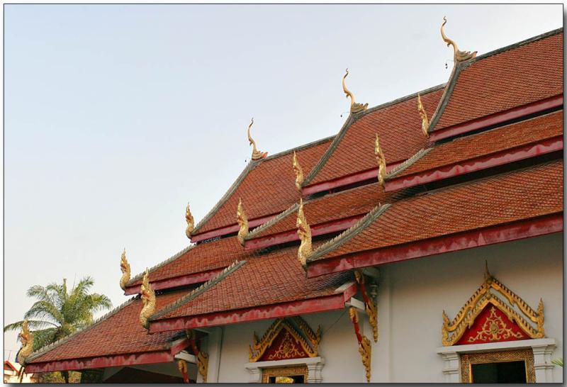Dragons in the sky - Wat Chedi Luang, Chiang Mai