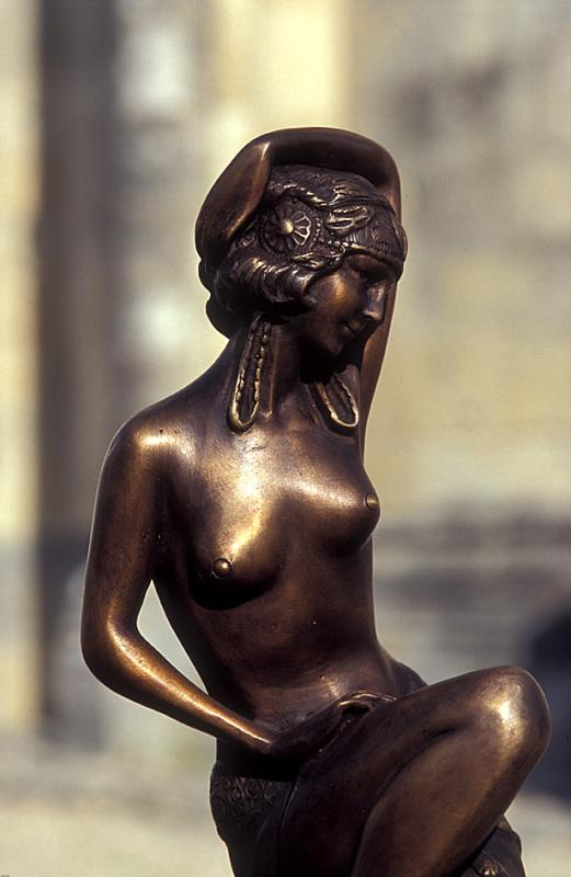 Figur on the Market of Saint Vivien