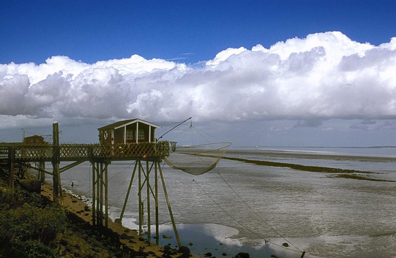 Fishing-house near Phare Richard