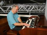 357-Chris on one of his Hammond Orgel