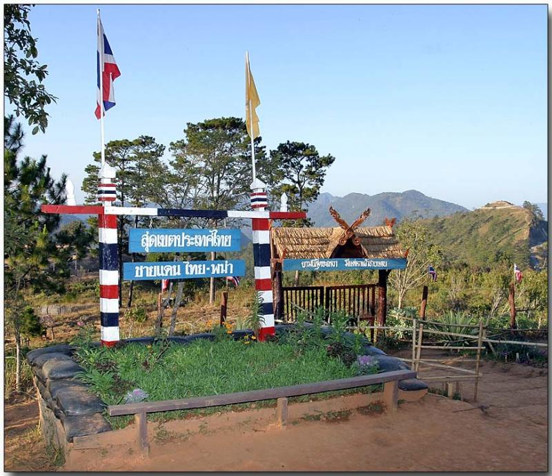Thai Myanmar Border, Thai side