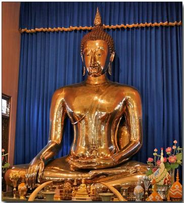 Golden Buddha - Traimit Witthayaram Temple