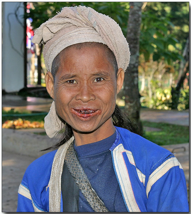 Black Musser (Lahu Na) hilltribe lady