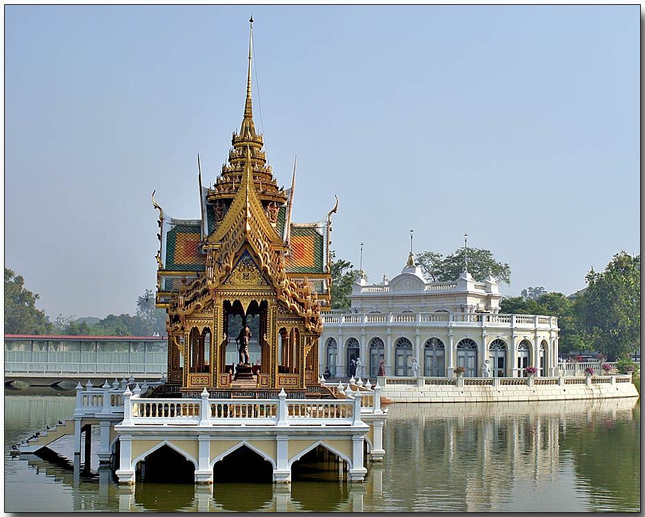 Phra Thinang Aisawan Thiphya  Art