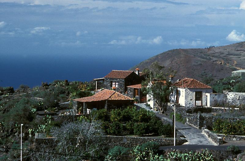 Houses near Todoque