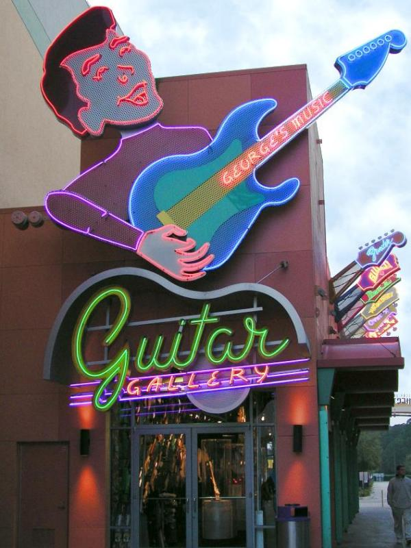 Georges Guitar, Downtown Disney