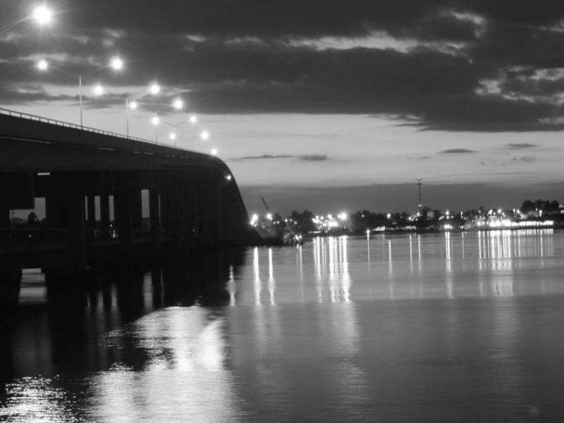 Eau Gallie at night