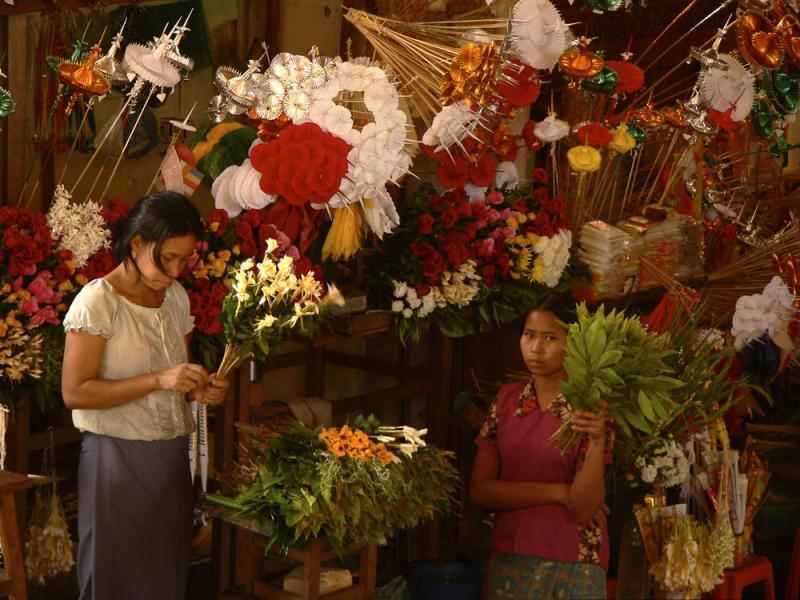Flower Shop, Shwedagon Pagoda, Yangon, Myanmar, 2005