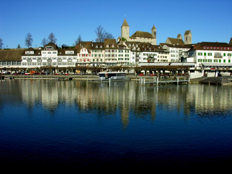 Rapperswil reflecting