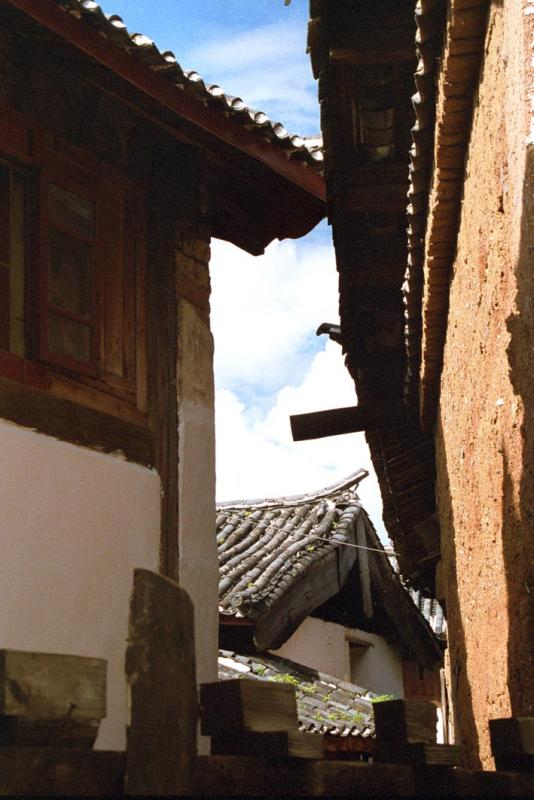crooked houses in Lijang.jpg