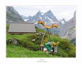 Blumenschmuck und Verpflegung kommt mit der Transport-Seilbahn