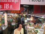 thais doing their daily shopping