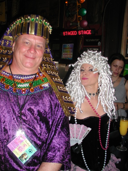 King Tut Meets The Owner Of Erin Rose.jpg