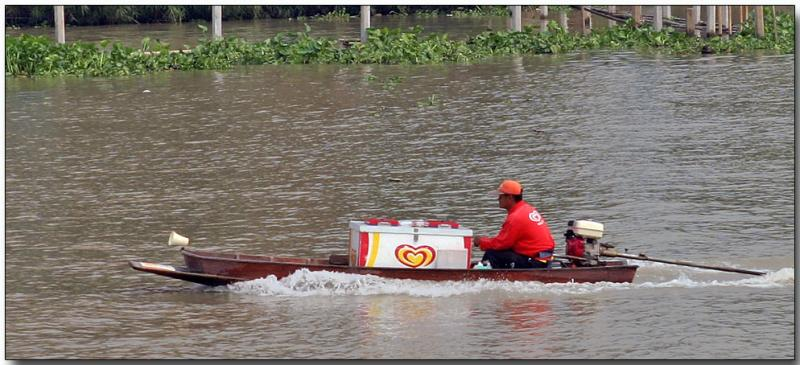 Ice cream delivery - Chao Phraya River near Bangkok