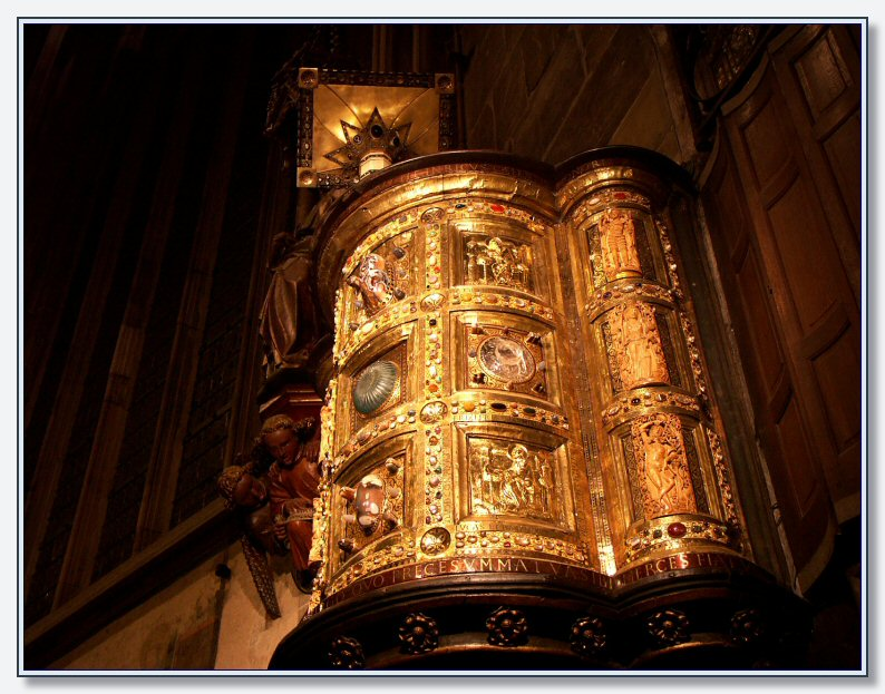 Gilded copper pulpit, Aachen Cathedral