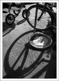poussette dans le coin (des ptites roues ... des ptites roues ... toujours des ptites roues ....)