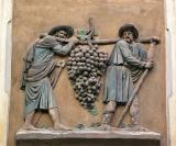 The grape carriers