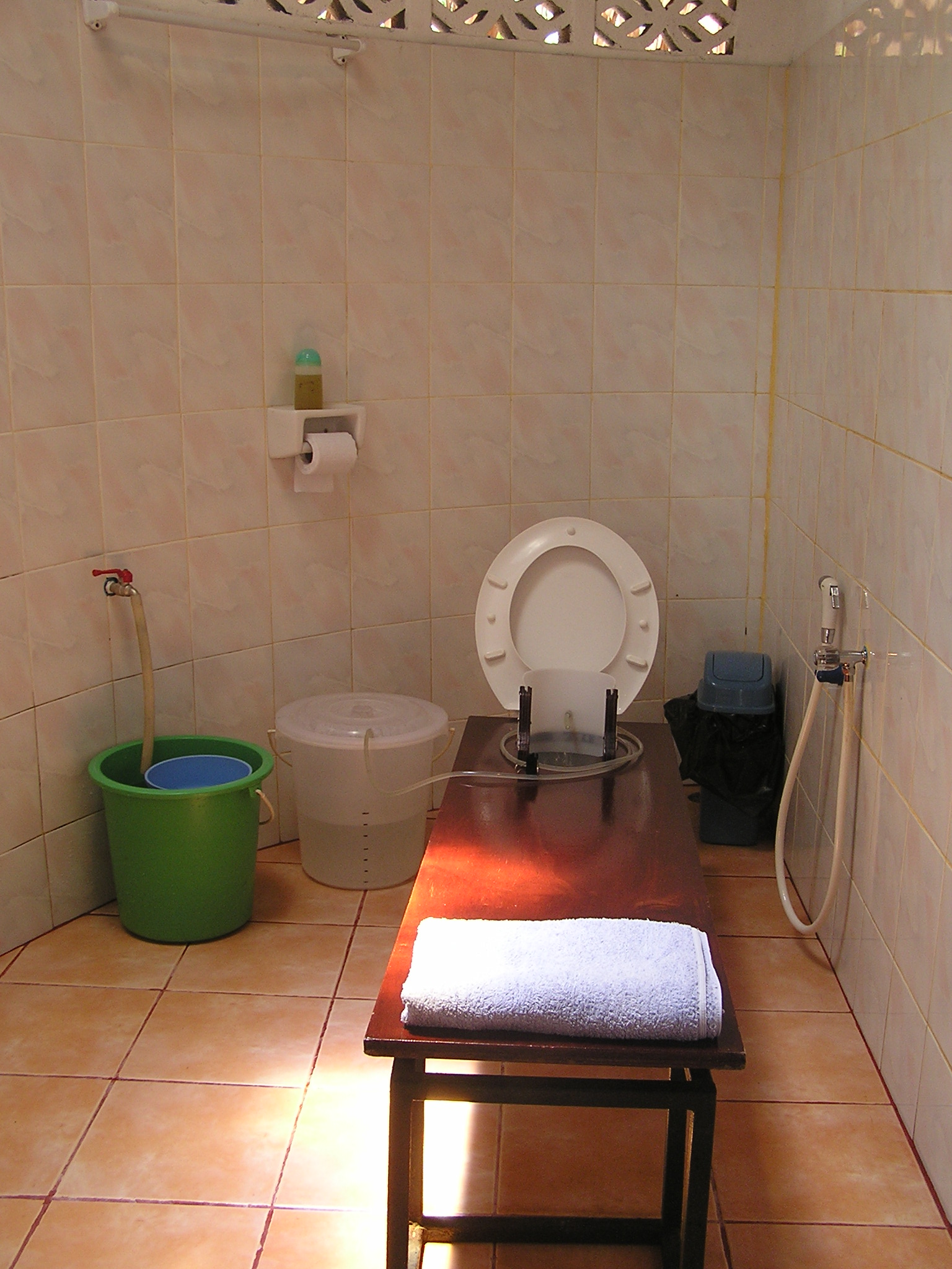 The colonic room