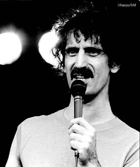 Frank Zappa (fa0302-23)