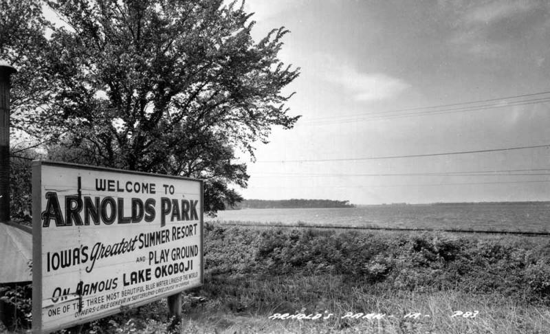 Arnolds Park Welcome Sign