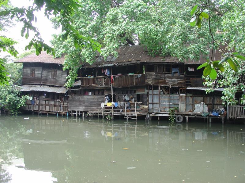 Bangkok a klong near Hualampong