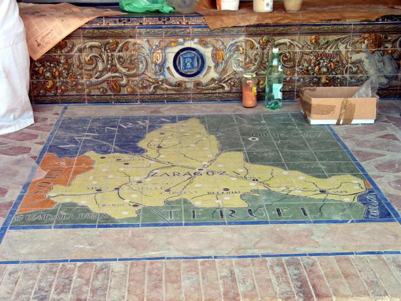 Zaragoza tiles being restored in the Plaza DEspana