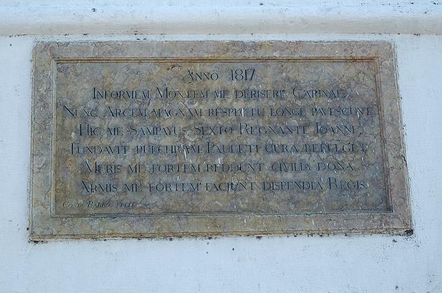 placa em latim