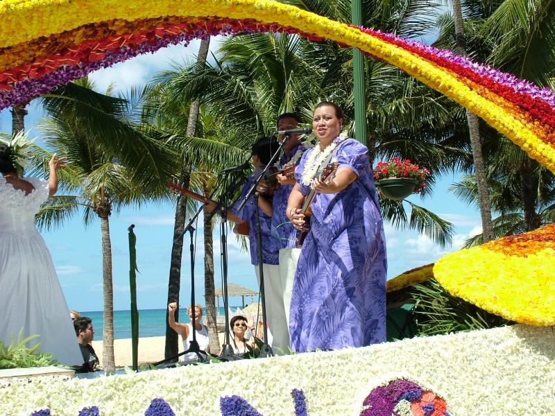 Entertainer Aboard Hawaiian Airlines Float
