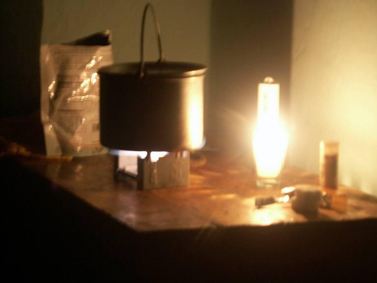 2372 Esbit and candle (vela).jpg