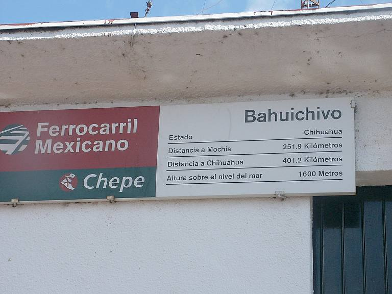2385 Bahuichivo Station sign.jpg