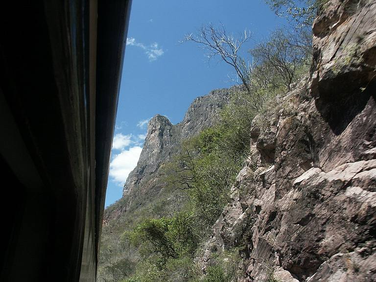 2720 Back into the canyons.jpg