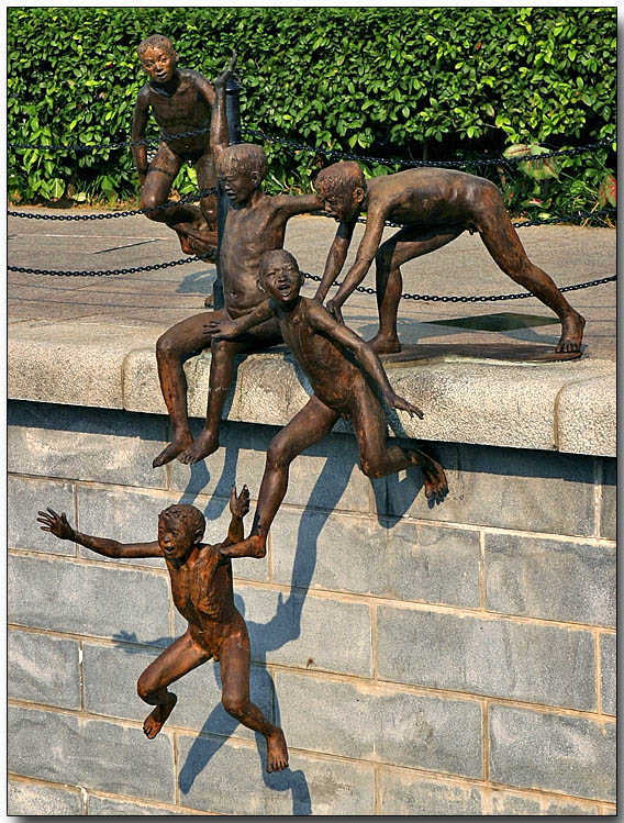 Bronze Bathers - Singapore River at Boat Quay